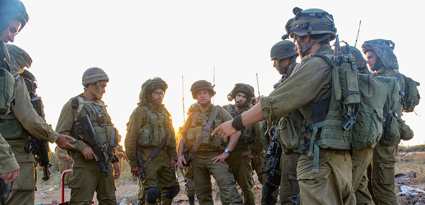 <em>IDF paratroopers search for hidden tunnels used by Hamas to attack Israel.</em> Photo by the IDF Spokesman Unit.