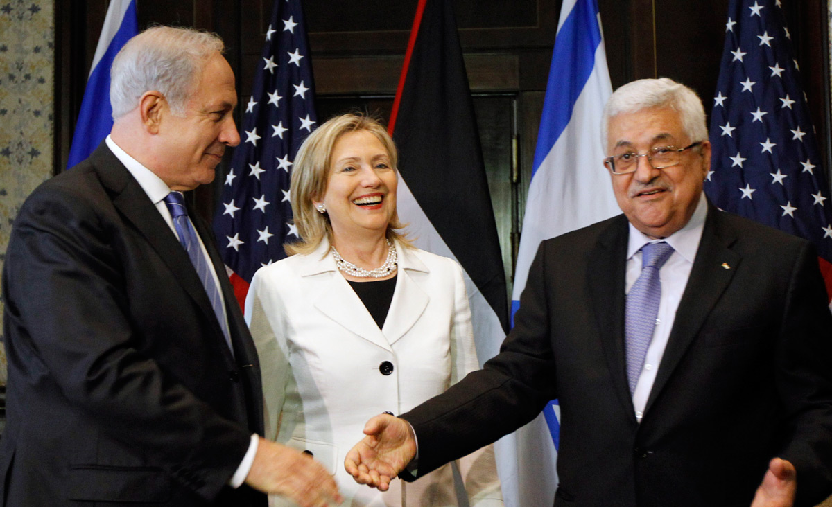 Benjamin Netanyahu, Hillary Clinton, and Mahmoud Abbas in Egypt in 2010. AP Photo/Alex Brandon, Pool.