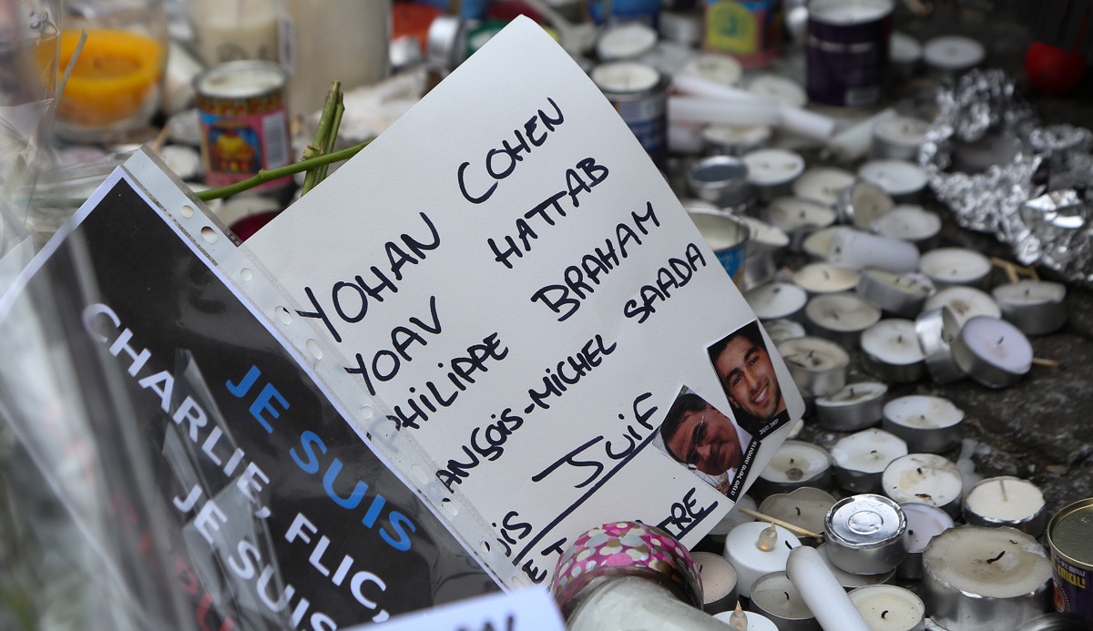 Tributes to those killed in the terrorist attack on the HyperCacher kosher supermarket in Paris, January 12, 2015. Photo by Marc Piasecki/Getty Images.