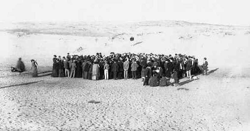 A 1909 auction of the first lots of what would become Tel Aviv. Avraham Soskin/Wikipedia.