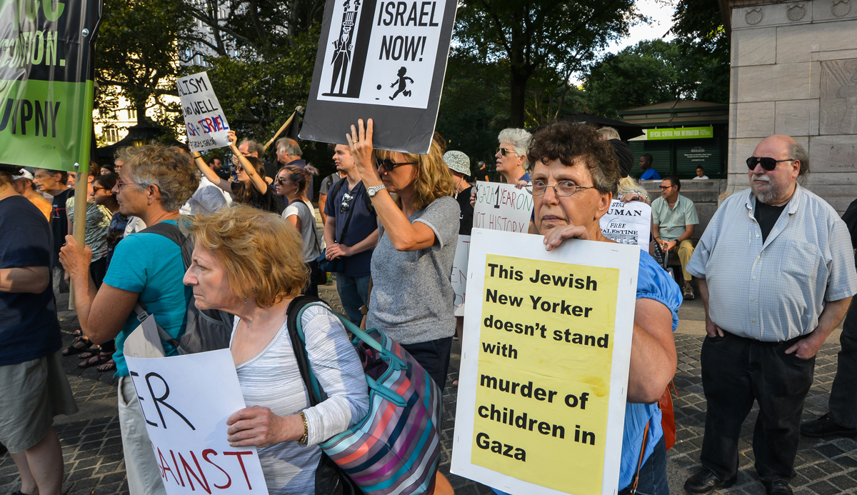 Anti-Israel protesters in New York in 2015. Albin Lohr-Jones/Pacific Press/LightRocket via Getty Images.