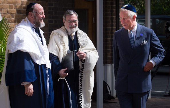 Prince Charles meets Lord Jonathan Sacks and his successor Chief Rabbi Ephraim Mirvis (L) before Mirvis was formally inducted as 11th Chief Rabbi of the UK. Stefan Rousseau/AFP/Getty Images.
