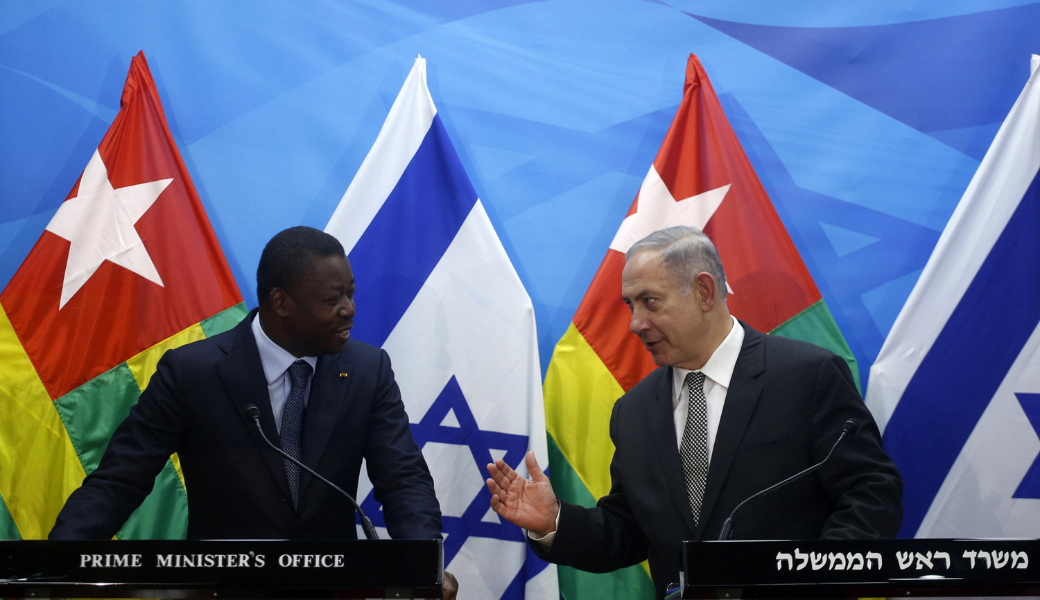 Benjamin Netanyahu talks to Togolese president Faure Gnassingbe on August 10, 2016 in Jerusalem. RONEN ZVULUN/AFP/Getty Images.