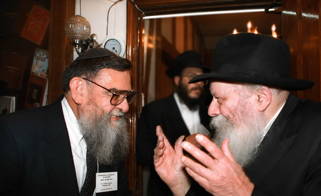 Velvl Greene, left, with Rabbi Menachem Mendel Schneerson. Chabad.org.