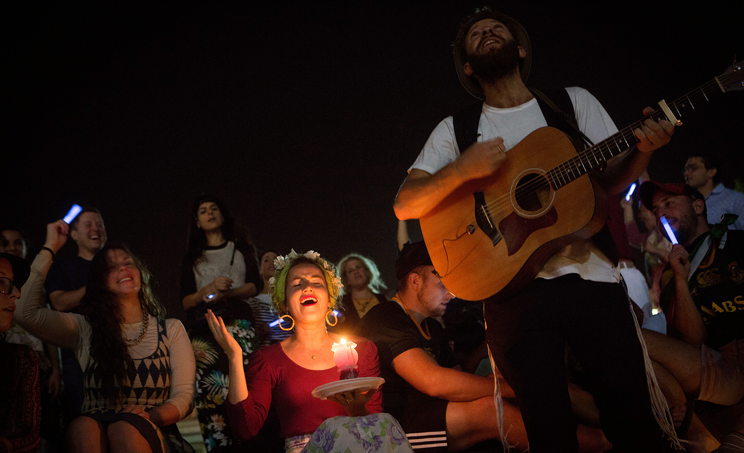 Young Israeli Jews sing at a Havdalah ceremony in Tel Aviv on October 24, 2015. Miriam Alster/FLASH90.