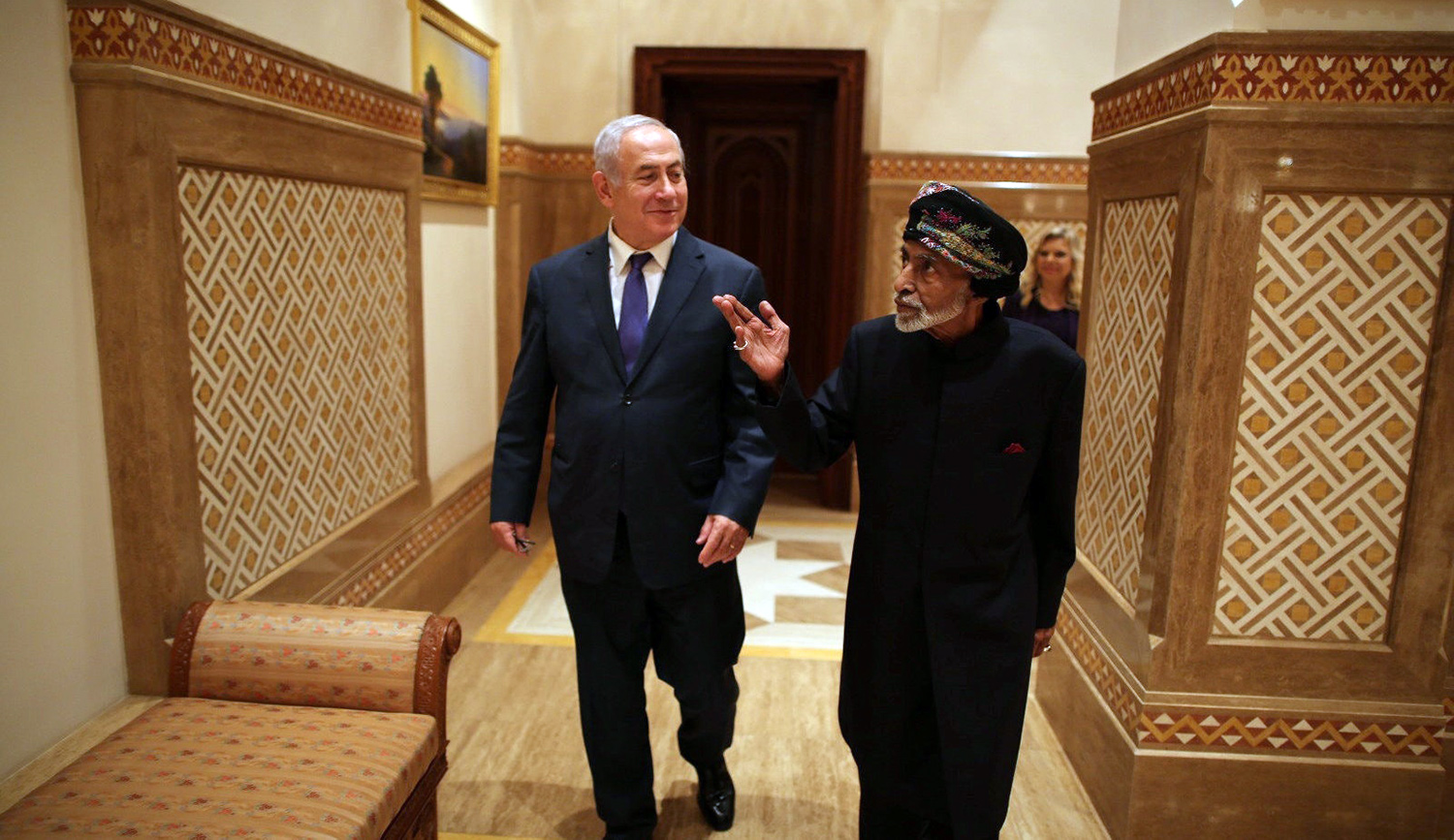 Israeli Prime Minister Benjamin Netanyahu in Oman with its ruler Sultan Qaboos bin Said on October 26, 2018.Prime Minister's office.