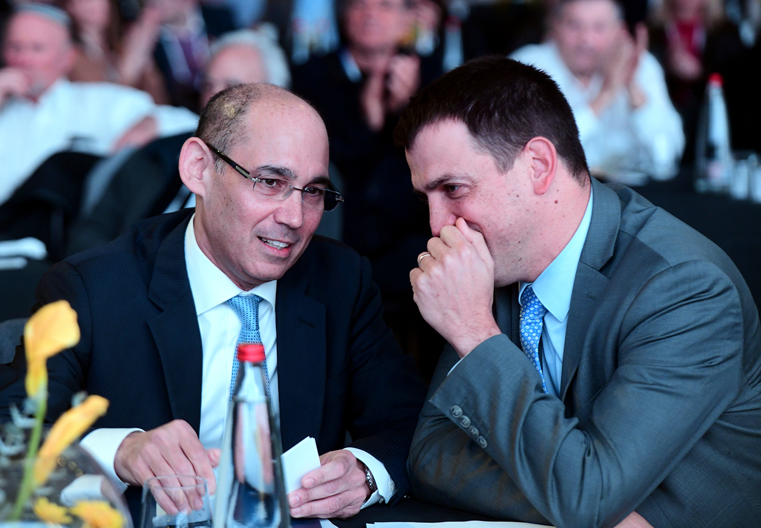Amir Yaron, governor of the Bank of Israel, with Shaul Meridor, then-head of the Budgets Department, at a conference in Tel Aviv on December 31, 2019. Flash90.