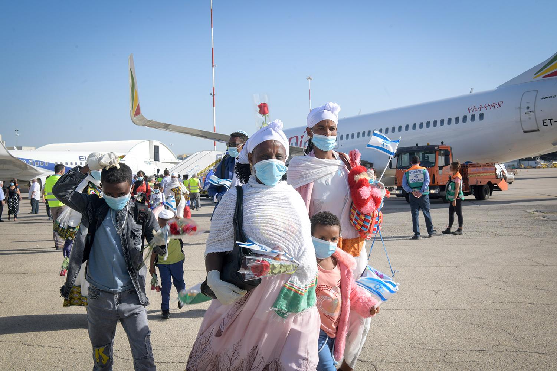 Members of the Falash Mura community arrive at Israel's Ben Gurion Airport on May 21, 2020. Flash90.