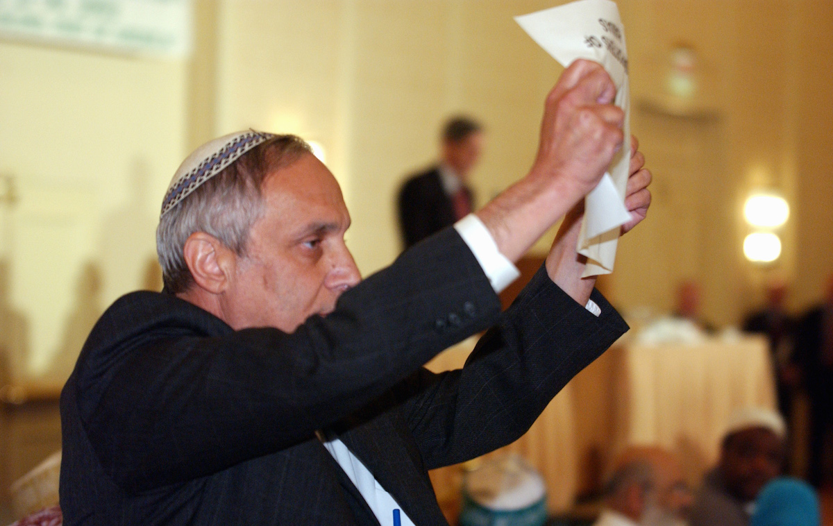 <em>Rabbi Avi Weiss, author of the Open Orthodox Manifesto and founder of Yeshivat Chovevei Torah, at a protest in 2002.</em> AP Photo/Evan Vucci.