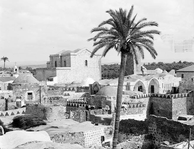 Lydda and the Church of St. George, taken between 1900 and 1920. From the G. Eric and Edith Matson Photograph Collection, Library of Congress.